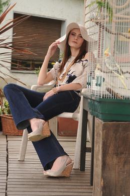 FENJA LUDWIG - Jeans mit Fledermausshirt